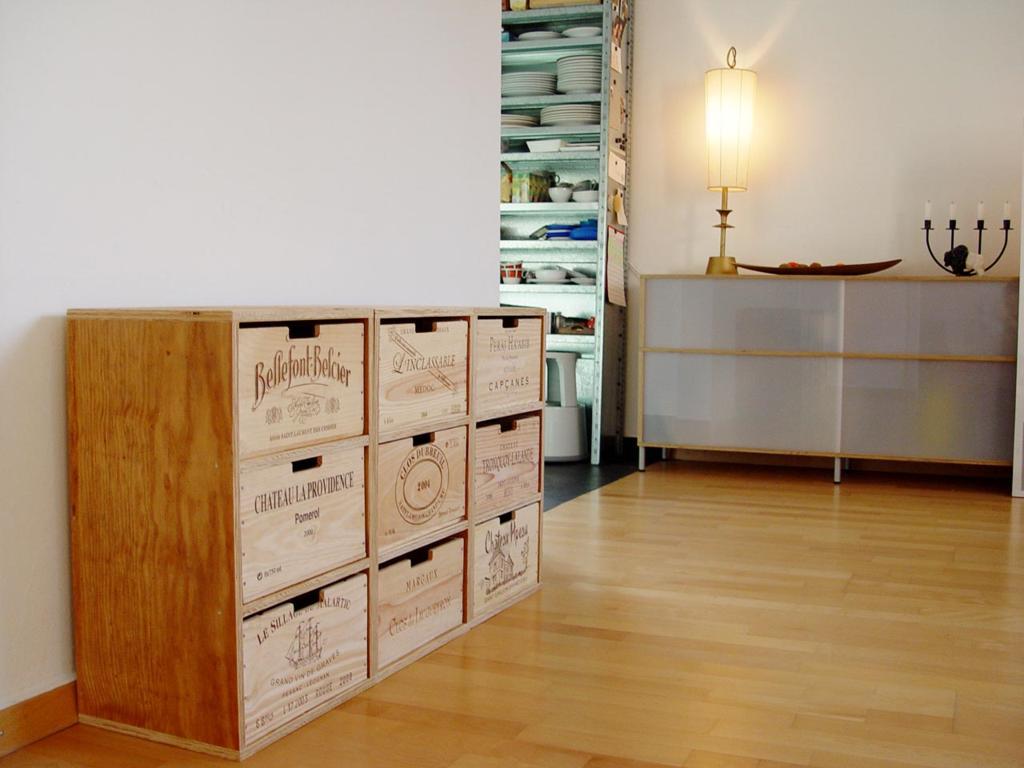 Sideboard aus weinkisten  grand cube, Winterthur (CH) | Bauen, Wohnen und Leben - ichmagbio