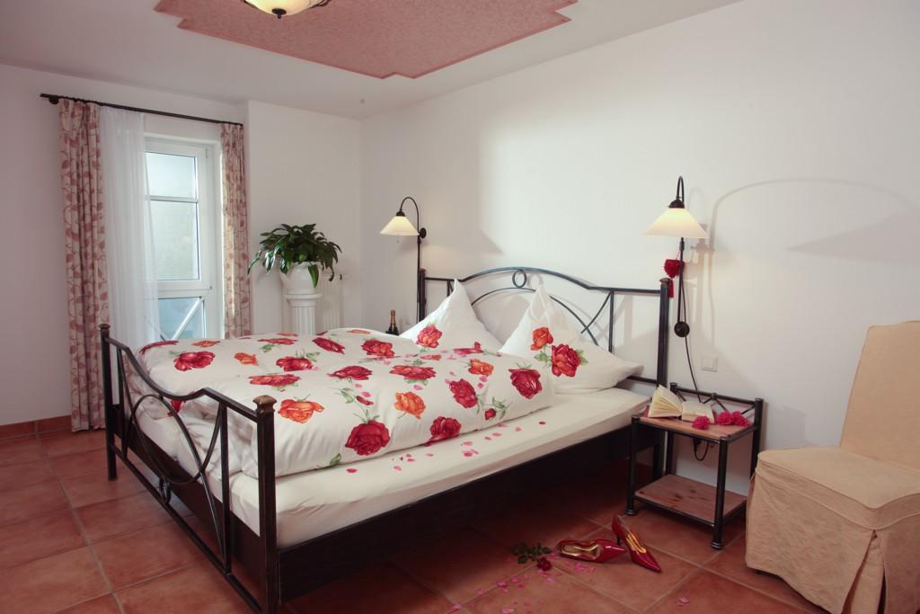 bioluxusferienwohnungen mit fr hst ck und wellness. Black Bedroom Furniture Sets. Home Design Ideas